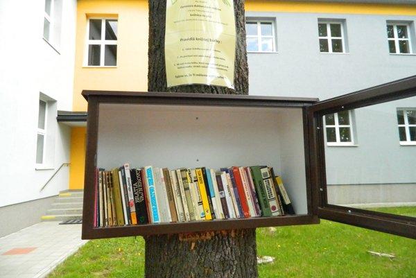 Netradičná knižnica. Vytvorili ju študenti, slúži všetkým.