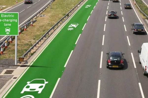 Takto by mohlo vyzerať označenie pruhu pre bezdrôtové dobíjanie elektromobilov za jazdy.