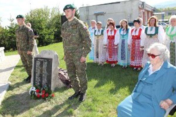 Obetiam vojny odhalili v Malinovej pamätnú tabuľu.