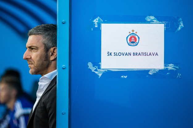 Cyperský tréner Papavasiliou skončil po neuspokojivých výsledkoch už v úvode sezóny.