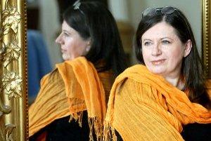 Zuzana Krónerová hrá v novej hre, ktorú Radošinské naivné divadlo uvedie v Novákoch 22. mája.
