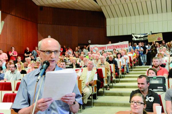Karol Labaš. Bol priamym účastníkom búrlivého mestského zastupiteľstva o prenájme komunikácií EEI.