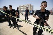 Polícia začala prípad vyšetrovať, ale zatiaľ vylúčila, že by šlo o teroristický čin.