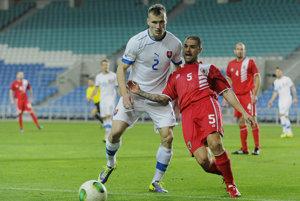 Lukáš Štetina (v bielom) už za seniorskú reprezentáciu hral. Na fotografii počas zápasu s Gibraltárom.