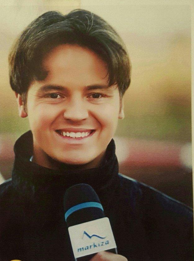 Ján Tribula. Pôsobil ako redaktor v popradskej televízii, no externe spolupracoval aj s Markízou. Keď v septembri 1998 dostal ponuku, aby sa stal ich riadnym redaktorom, zvažoval dva mesiace. Napokon ponuku prijal. Deväť rokov žil v hlavnom meste, potom mu dalo vedenie šancu vrátiť sa do rodných končín.