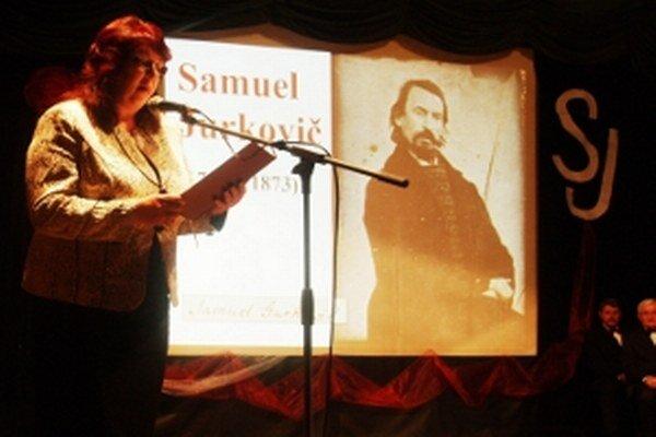 Príhovor primátorky Evy Ušiakovej  v audiovizuálnej kompozícii o Samuelovi Jurkovičovi.