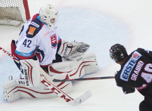Na Konrád v slovenskej bráne nevyzreli ani hviezdy NHL. Na snímke Michael Grabner.