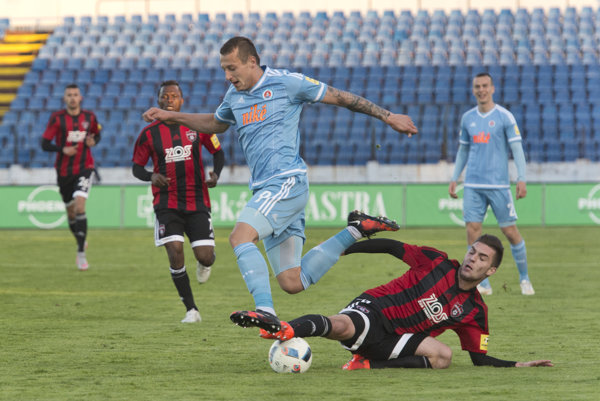 Adam Zreľák (v modrom drese) patrí k najväčším talentom slovenského futbalu.