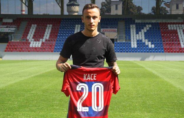 Ergys Kace z PAOK-u Solún je druhou výraznou posilou Plzne.