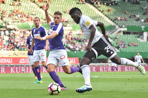 Tambe výkonmi v drese Trnavy získal pozornosť reprezentačného trénera Kamerunu.