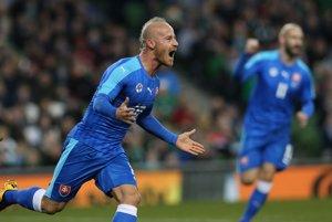 Miroslav Stoch oslavuje jeden zo svojich gólov v drese slovenskej reprezentácie. Podľa toho, čo vyhlásil tréner Ján Kozák, si hráč minimálne pod jeho vedením už v národnom tíme nezahrá.