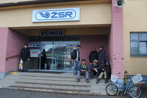 Zákaznícke centrum sídli v budove železničnej stanice.