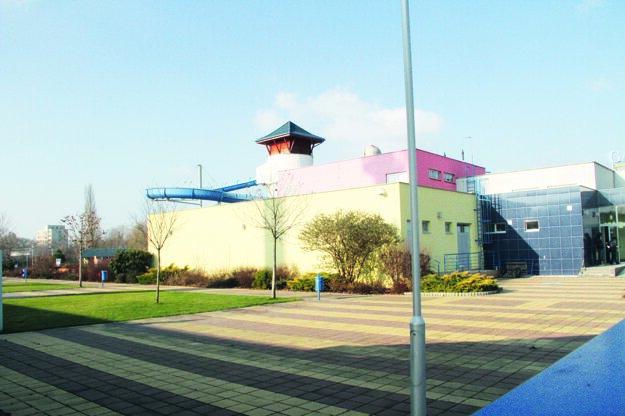 Termálne kúpalisko bolo postavené vroku 2007, vprevádzke bolo iba osem rokov.
