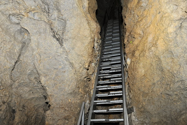 Brestovská jaskyna v Západných Tatrách.