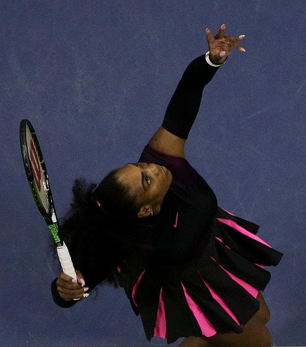 Serena Williamsová sa vyrovnala legende.