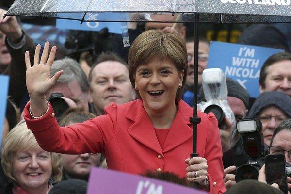 Škótska premiérka Nicola Sturgeonová varuje pred ďalším referendom, ak Británia opustí úniu.