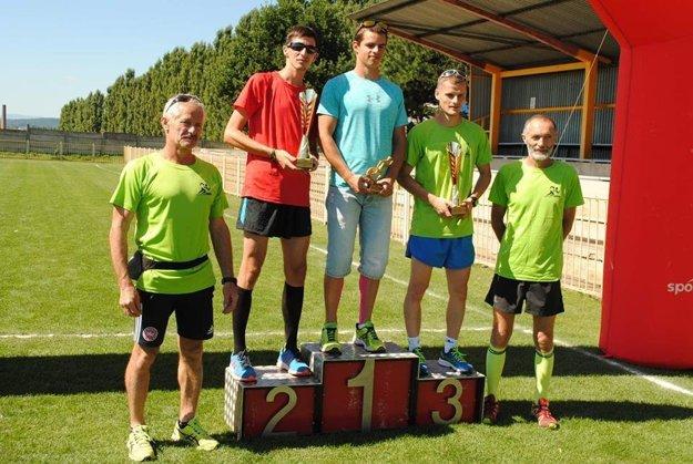 Víťazi – muži. Zľava M. Kormaník, M. Baloga, D. Jakubkovič.