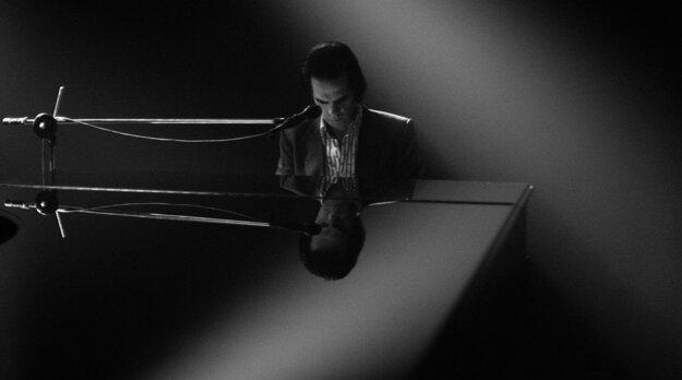 Nick Cave rok po srmti syna Arthura.