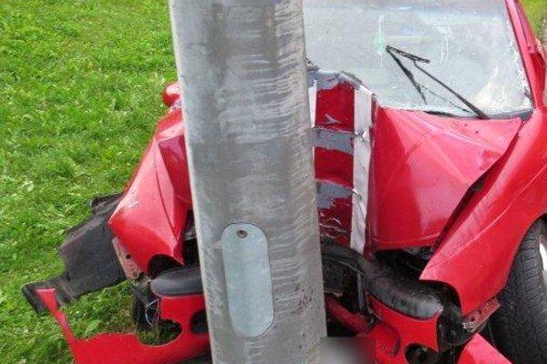Žilinčan sa po dopravnej nehode podrobil dychovej skúške, pri ktorej mu namerali 2,13 promile.