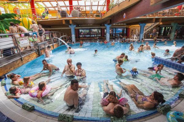 Turistická sezóna v Aquaparku Tatralandia.