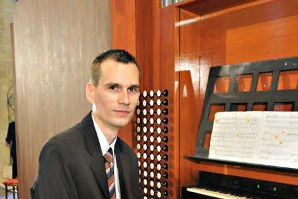 Martin Bako sa predstaví spoločne s Kamilom Mikulčíkom.