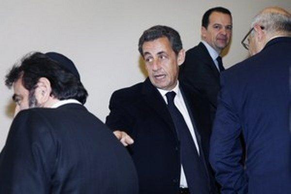 Sarkozy je zapletený aj do ďalších afér, ktoré by mu mohli uškodiť.