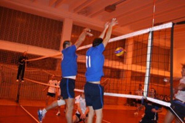Volejbalisti Stavbára v útoku a na bloku súpera prevyšovali o triedu.