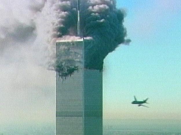 Boeing 767 letu 11 narazil do severnej veže WTC.