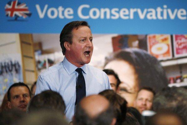 Cameron povedal, že bude považovať za neúspech, ak jeho Konzervatívna strana nezíska vo voľbách jasnú väčšinu.