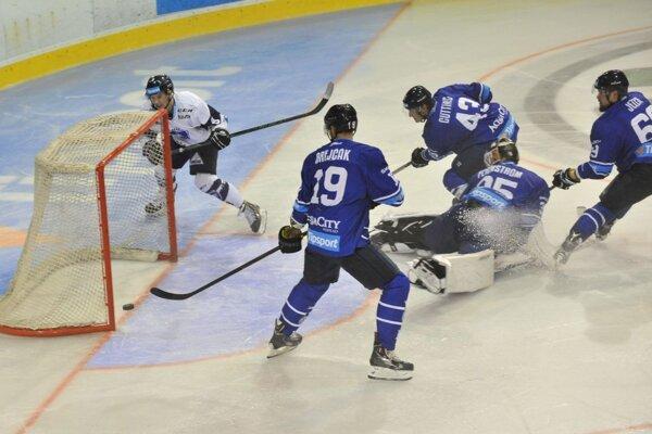 Patrik Koyš často zamestnával defenzívu súpera, nakoniec mu jeho aktivita priniesla dva góly.