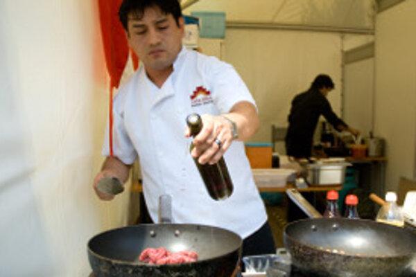Viacero firiem v regióne zháňa kuchárov.