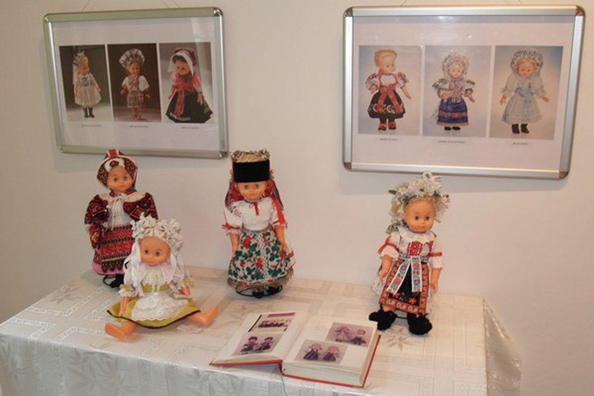 23a163b9f Múzeum predstavuje kroje z rôznych regiónov Slovenska - SME | MY ...