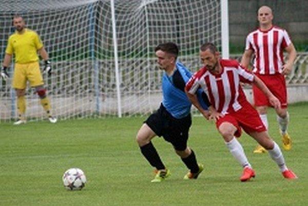 Tovarníky doma porazili Tešedíkovo 4:0.