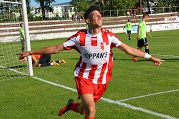Anis si otvoril gólový účet v drese Topoľčian, keď zvyšoval v závere prvého polčasu na 3:0.
