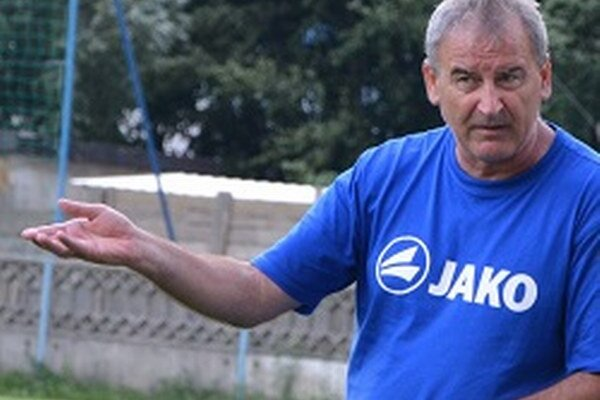 Tréner Topoľčian - Vladimír Goffa.