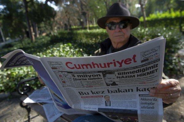 Denník Cumhuriyet patrí v Turecku k prosekulárnym médiám.