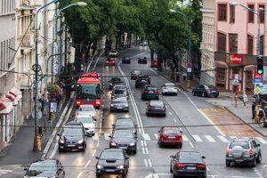 Bus pruh si Bratislavčania odhlasovali aj na Štefánikovej ulici.