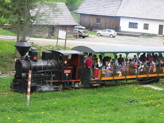 Parná lokomotíva na úzkokoľajke v Novej Bystrici