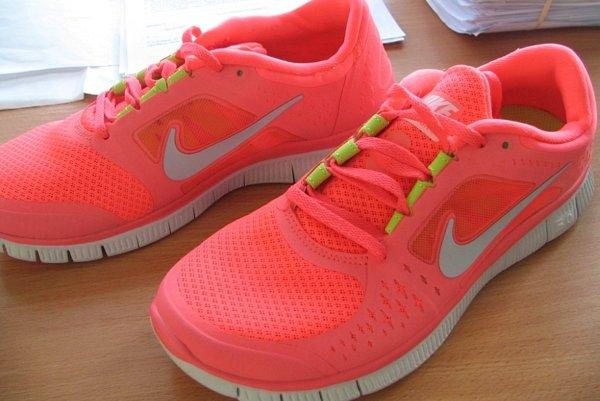 Športová obuv. Medzi najčastejšie falšované značky objednávané Košičanmi patrí Nike.