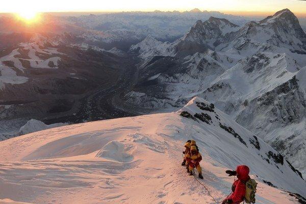 Mount Everest je najvyššou horou sveta.