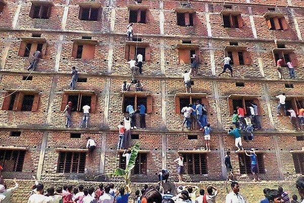 Rodičia sa takto snažili pomôcť pri skúškach svojim deťom.