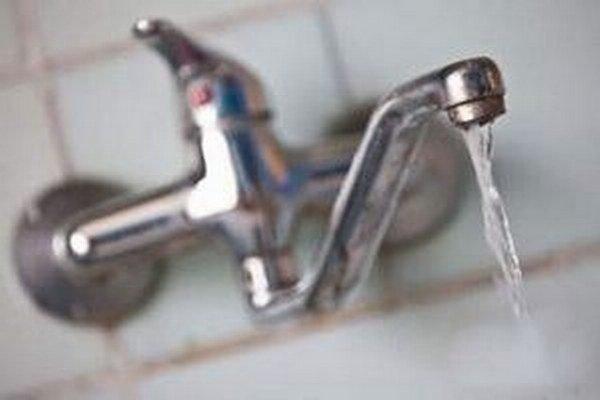 Íri poukazujú na nekvalitu vody v domácnostiach a preto sa proti nariadeniu búria.