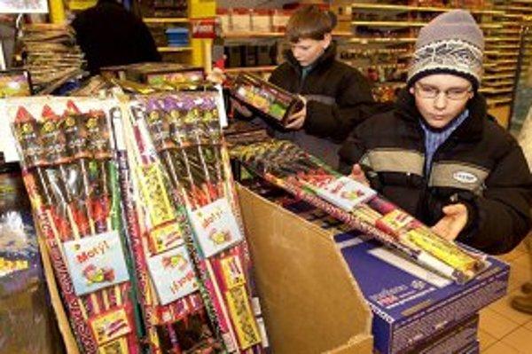 Pyrotechnika láka detí aj dospelých.