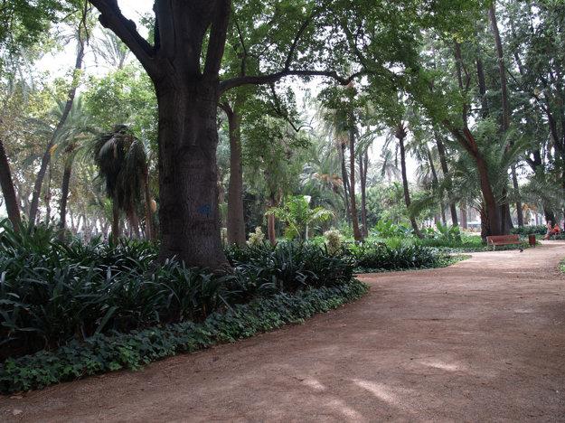Príjemnú prechádzku si možno užiť v Botanickej záhrade.