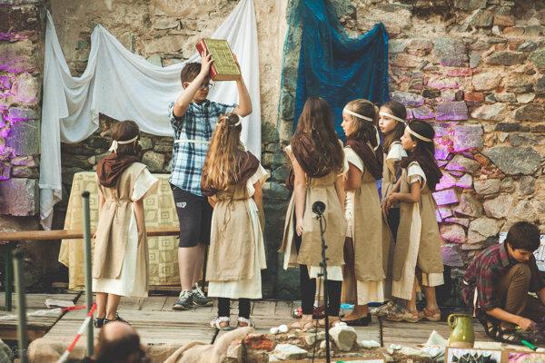 V areáli kláštora uvedú pásmo o živote pustovníkov spod Zobora Keby kamene vedeli rozprávať.