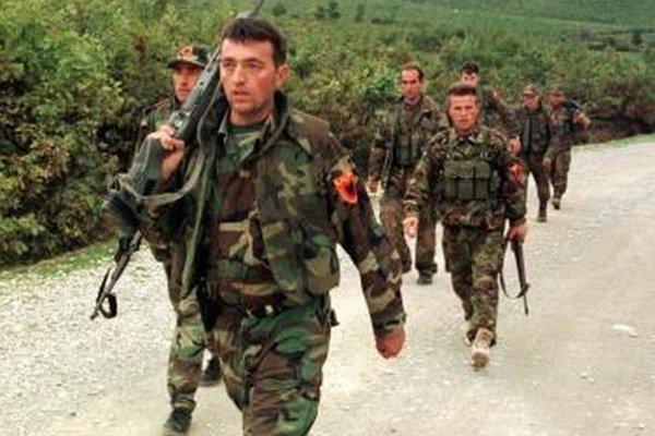 Bojovníci Kosovskej oslobodeneckej armády.