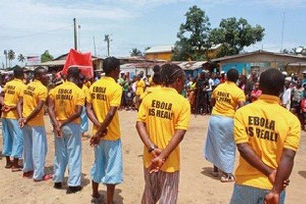 Krajiny postihnuté ebolou dostali zatiaľ iba 40 percent sľubovaných peňazí.