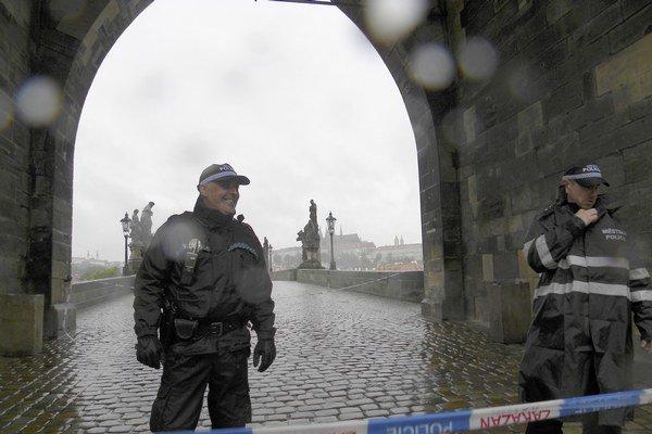 V Česku za ostatných desať rokov klesol počet trestných činov, polícia chce však ďalších 4000 pracovníkov.