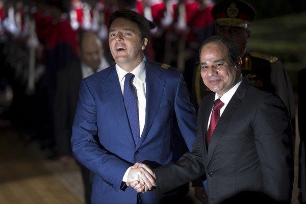 Taliansky premiér Matteo Renzi (vľavo) a egyptský prezident Abdal Fattáh Sísí.