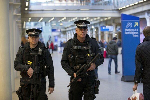 Británia zvýšili bezpečnostné opatrenia.